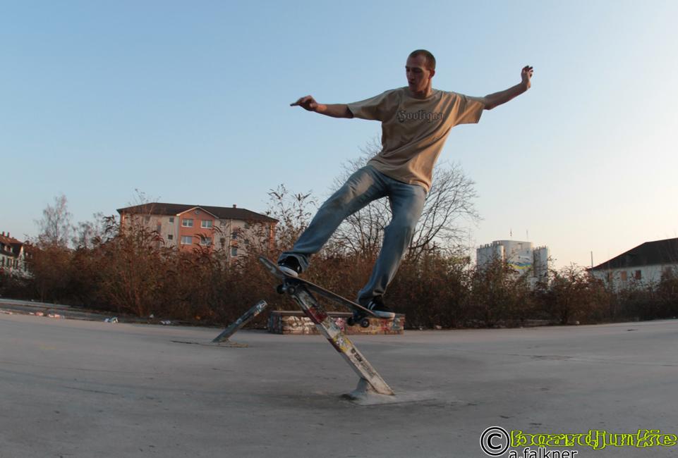 Tim Cabalo am Ghettospot - aufgenommen für www.boardjunkie.de